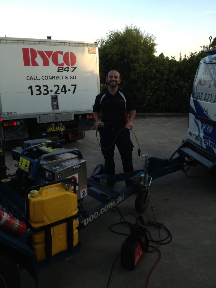 Chris and one of Ryco's Mobile Hydraulic Service